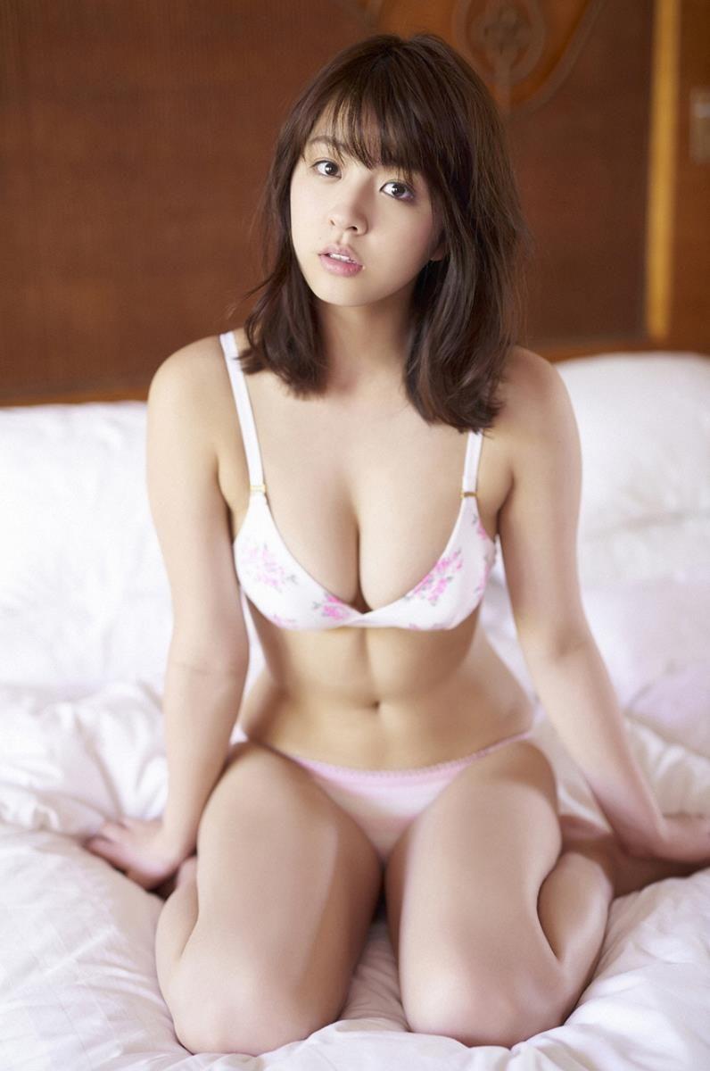【グラビアエロ画像】ビキニの女神降臨!柳ゆり菜のセクシー画像!(54枚) 51