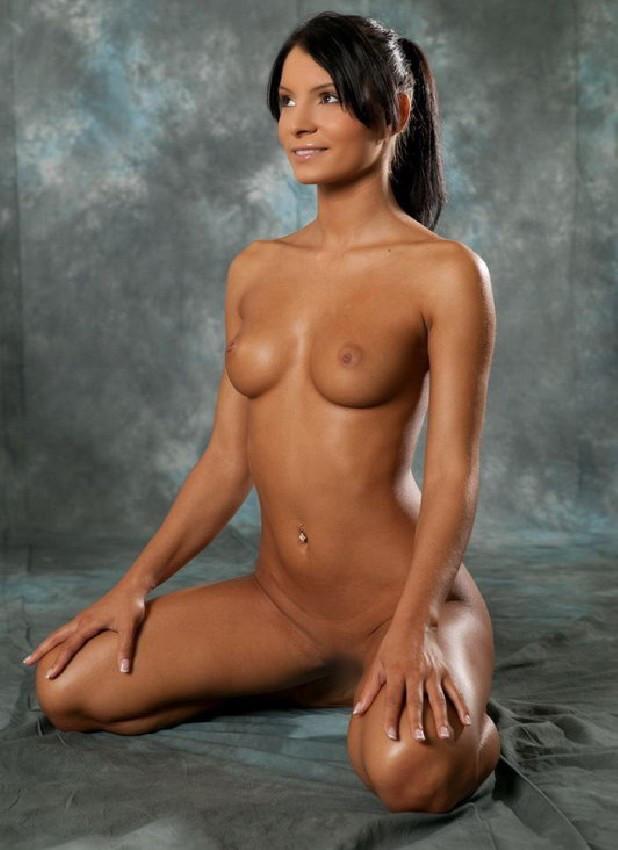 【ヌードエロ画像】牡丹のように美しい座っている女の子たちのエロ画像w(55枚) 14