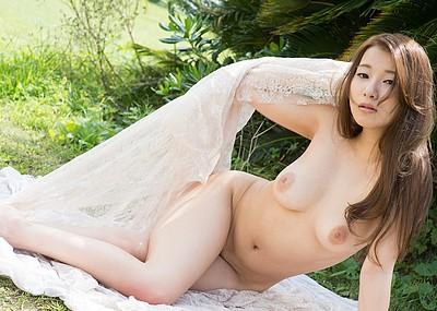 【ヌードエロ画像】釣鐘型美巨乳が激エロな園田みおんのセックス姿w(50枚)