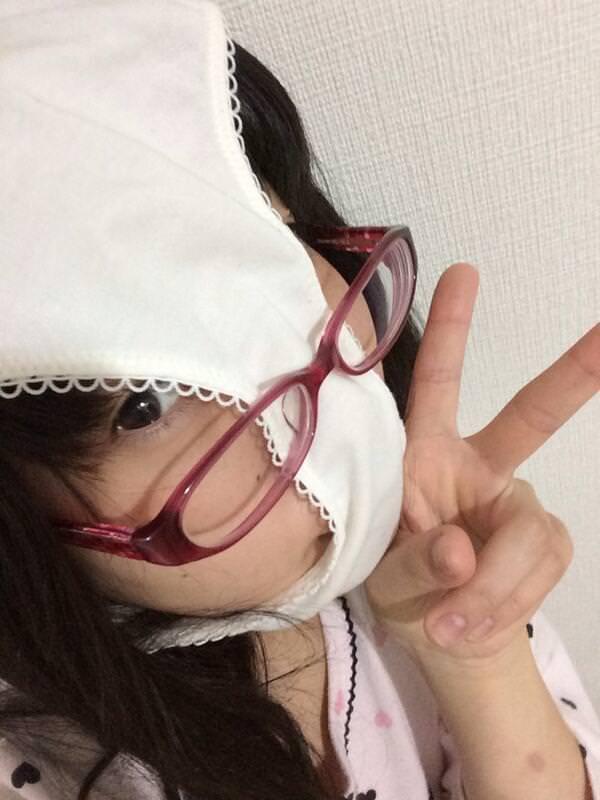 【素人エロ画像】気分はエクスタシー!!パンツを被った娘たちがHENTAIすぎるw(50枚) 34