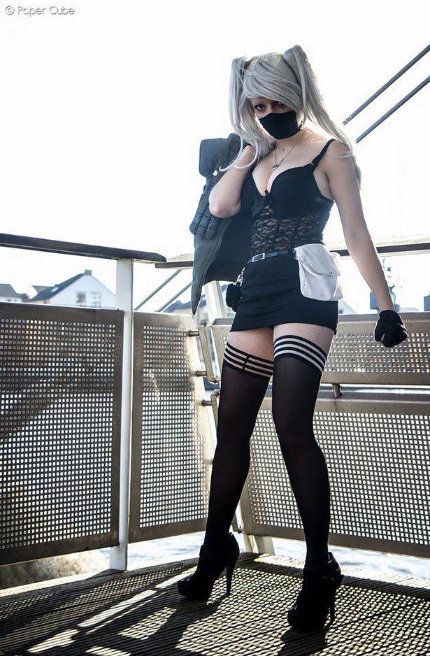 【着衣エロ画像】外国人女性のコスプレ姿!衣装負けしないグラマラスボディ!(50枚) 45