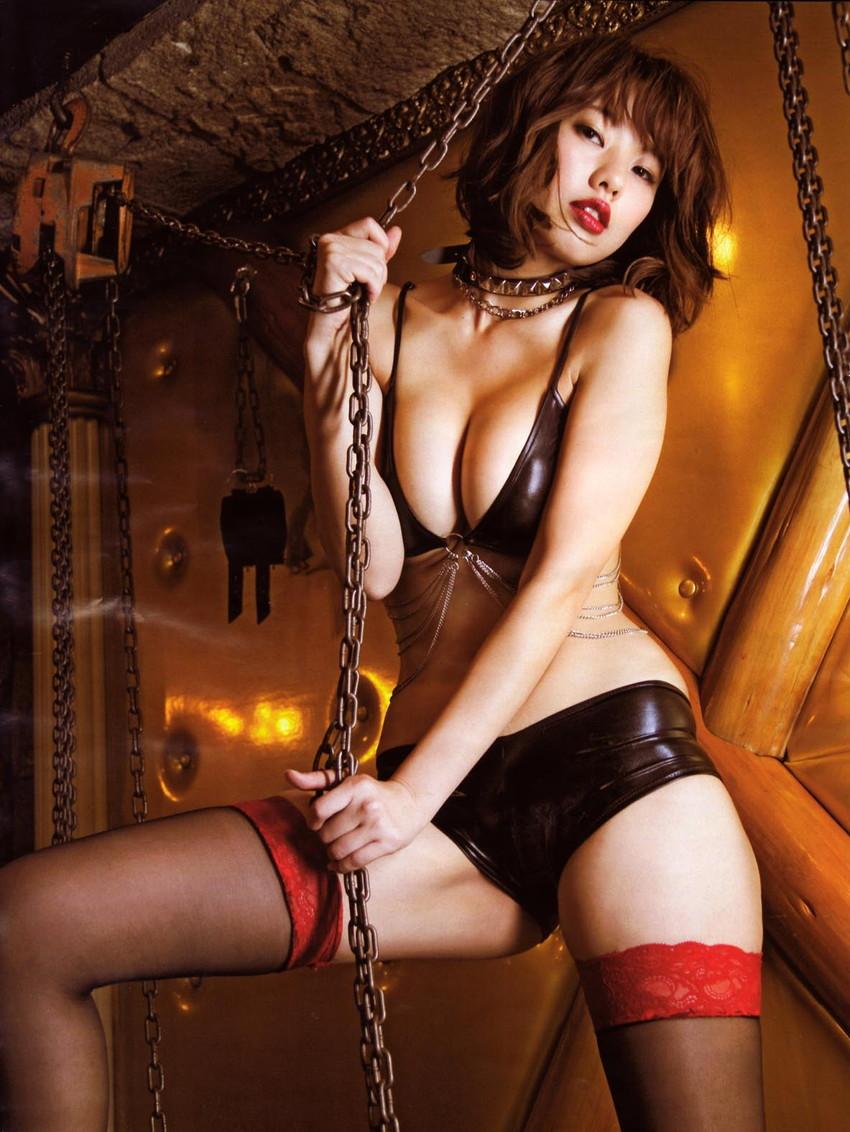 【半裸エロ画像】松本さゆきの過激なセミヌード・下着姿がぐう抜けるww(52枚) 17