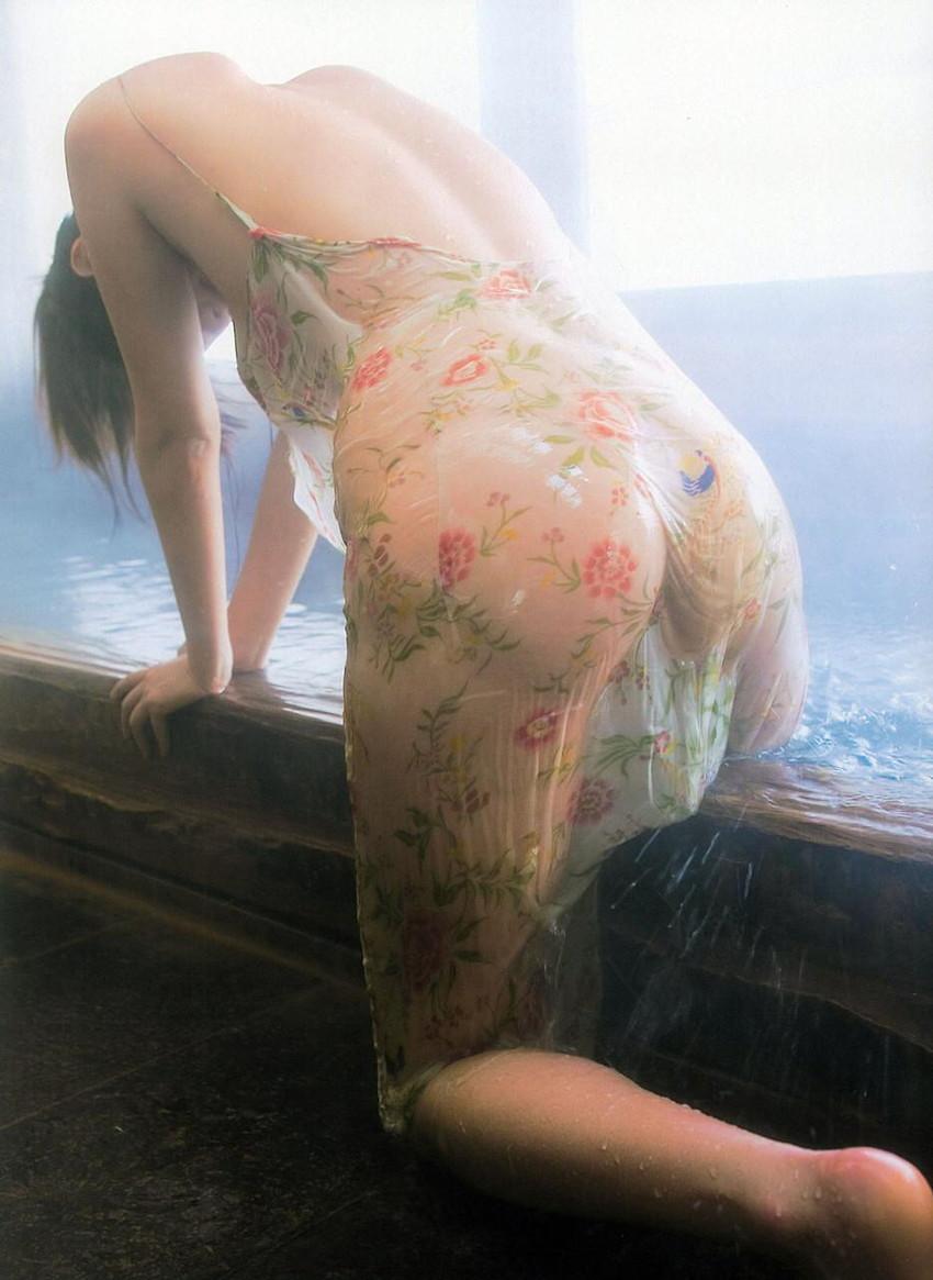 【半裸エロ画像】松本さゆきの過激なセミヌード・下着姿がぐう抜けるww(52枚) 20