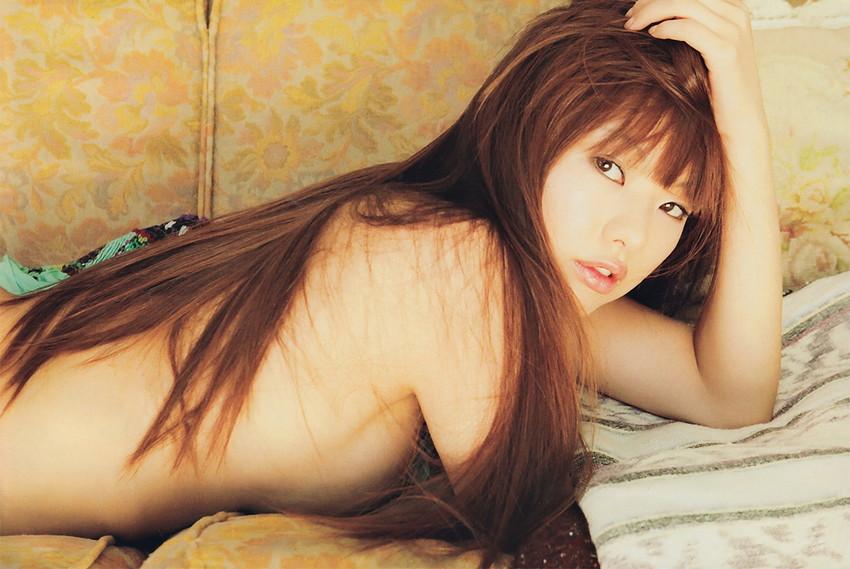【半裸エロ画像】松本さゆきの過激なセミヌード・下着姿がぐう抜けるww(52枚) 21