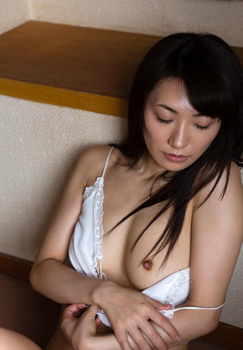 【ヌードエロ画像】№1オナニストとして名高い香西咲のセックスエロ画像!(50枚) 31