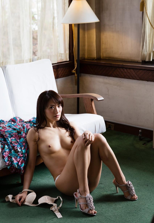 【ヌードエロ画像】№1オナニストとして名高い香西咲のセックスエロ画像!(50枚) 38