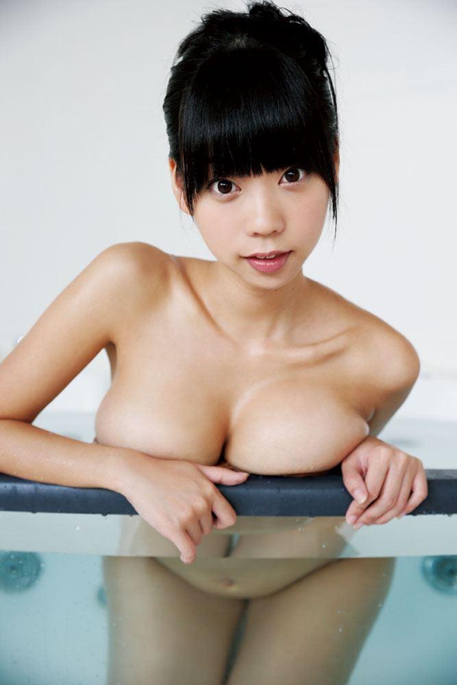 【グラビアエロ画像】鎖骨が美しい青山ひかるの爆乳セクシー画像!(50枚) 47