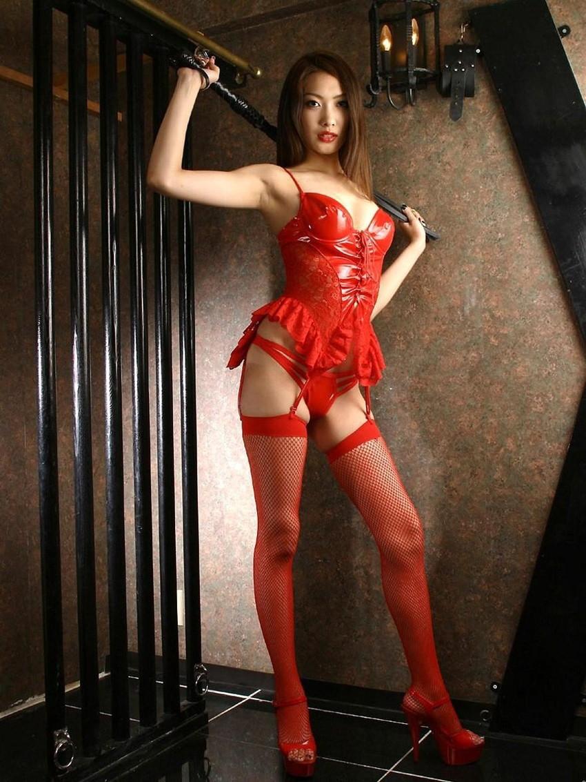 【赤下着エロ画像】情熱と生命力に溢れた緋色!美女の赤下着姿に大興奮!(50枚) 46