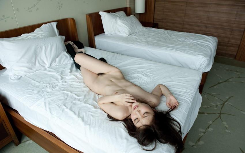 【ヌードエロ画像】清楚な碧しのが細身の身体を淫らにさらすセックスエロ姿!(50枚) 38