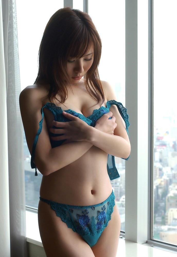 【青下着エロ画像】美女のセクシー下着姿w青い輝きが神々しいwwww(50枚) 42