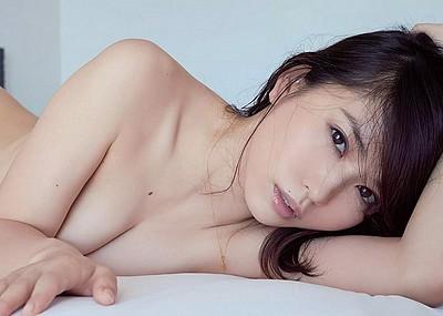 【お宝】フルヌードも見せた元祖清純派女優!市川由衣芸能人ヌード画像40枚
