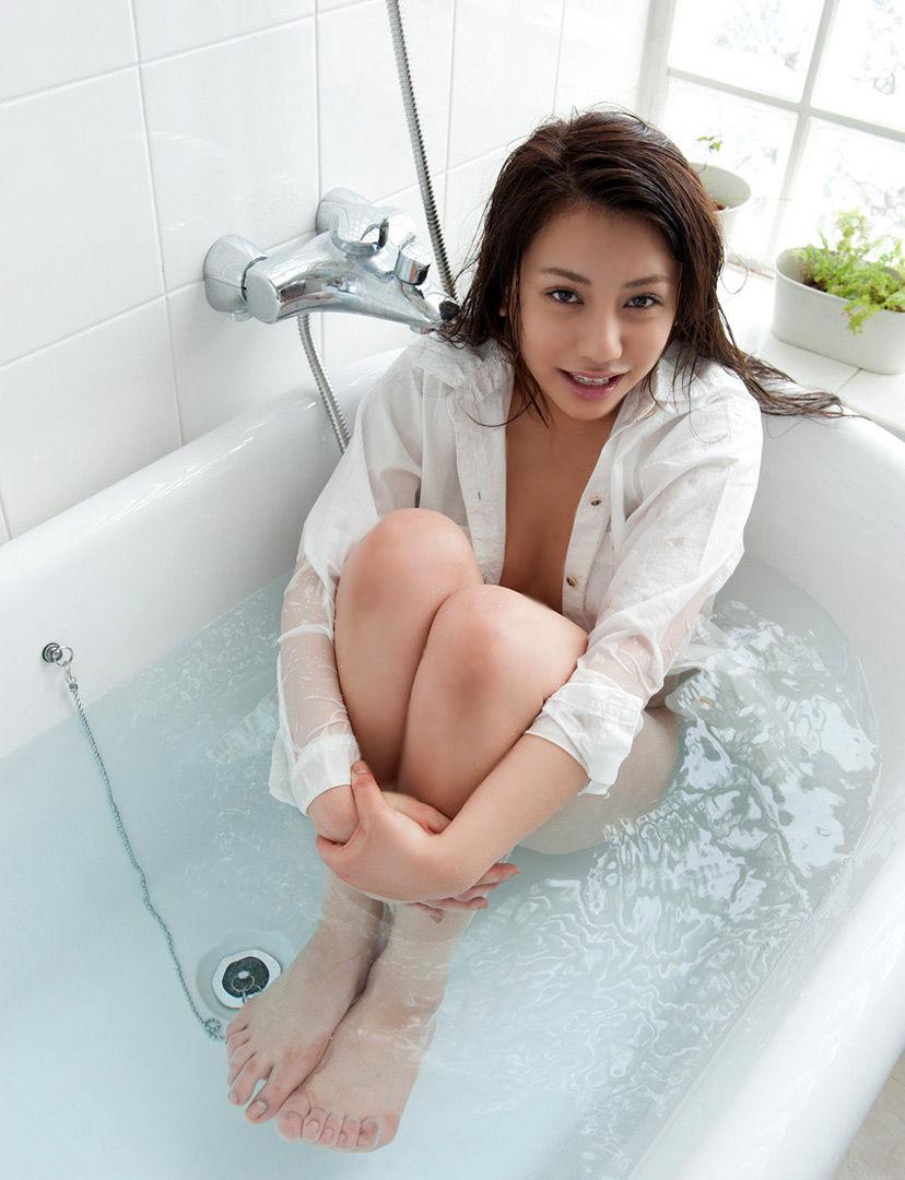 【ワイシャツエロ画像】美女の白シャツ姿がエロいw裸ワイシャツ最高wwww(52枚) 21