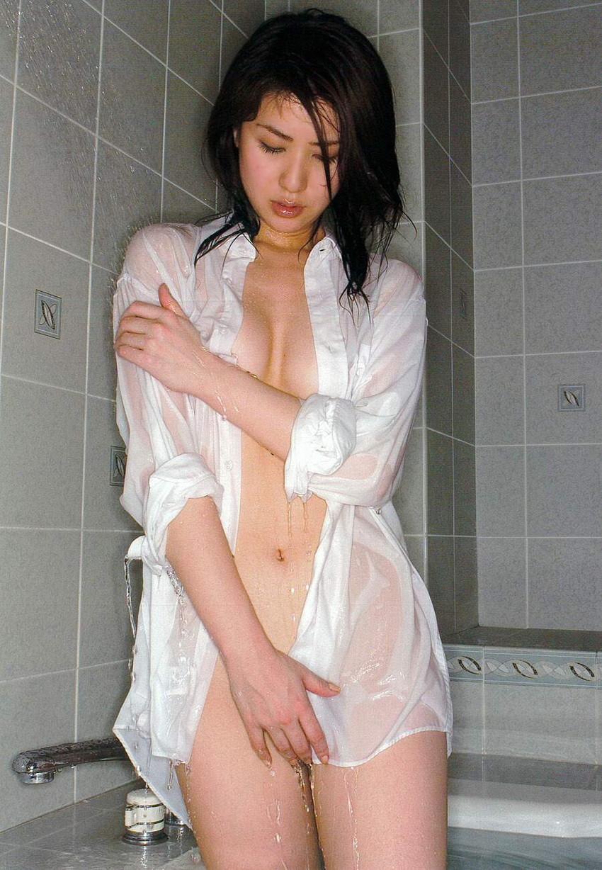 【ワイシャツエロ画像】美女の白シャツ姿がエロいw裸ワイシャツ最高wwww(52枚) 22