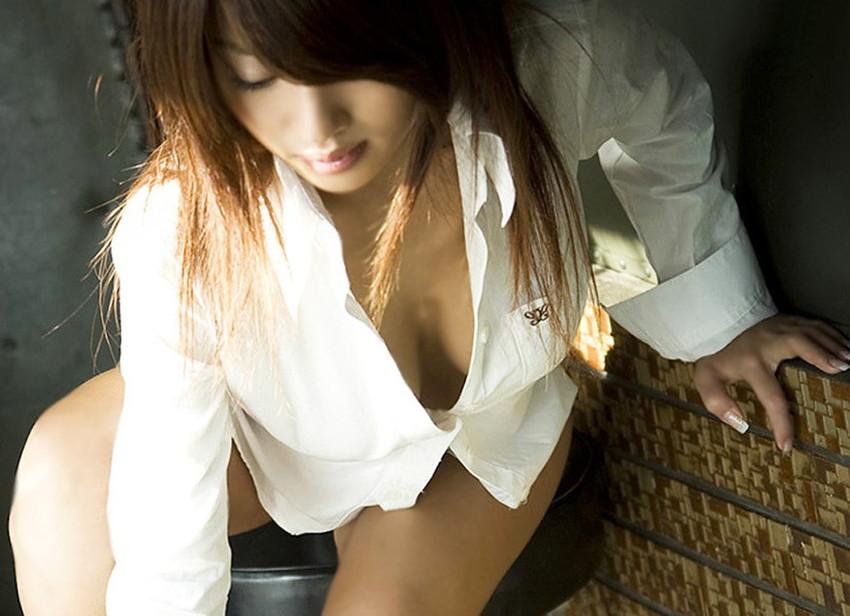 【ワイシャツエロ画像】美女の白シャツ姿がエロいw裸ワイシャツ最高wwww(52枚) 48