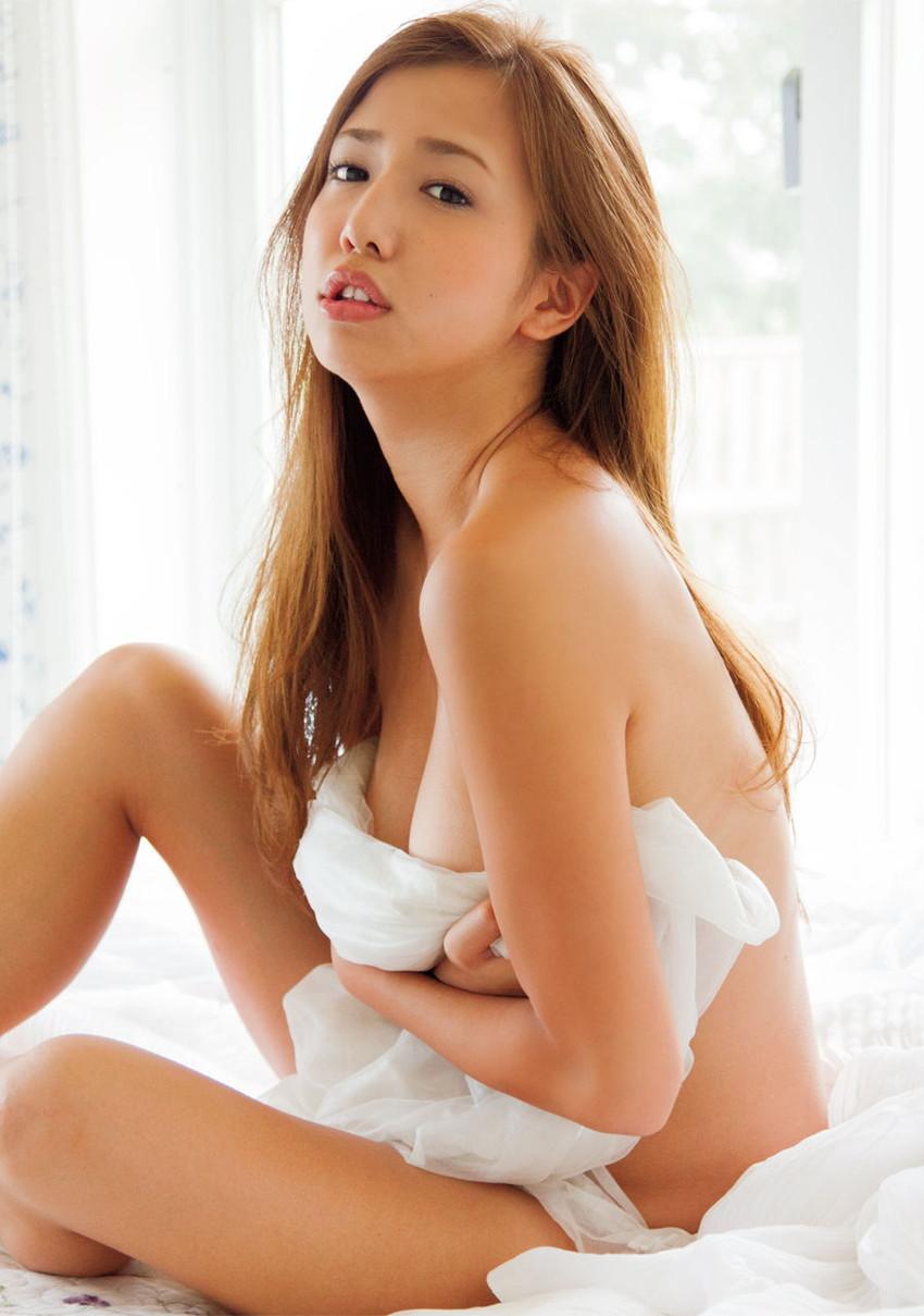 【グラビアエロ画像】丸高愛実の谷間に興奮できるセクシー画像wwww(50枚) 22