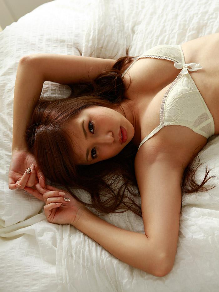 【グラビアエロ画像】丸高愛実の谷間に興奮できるセクシー画像wwww(50枚) 40