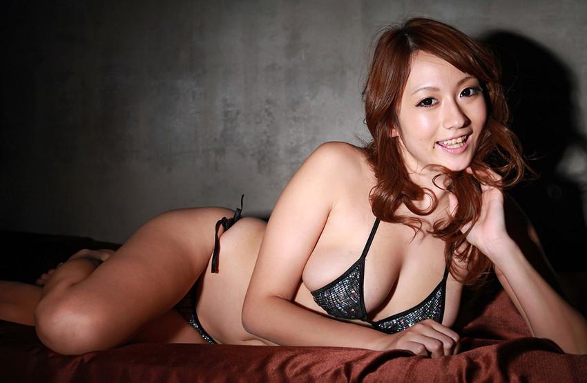 【ヌードエロ画像】スレンダー美巨乳がセクシーな音羽レオンのエロ画像!(50枚)
