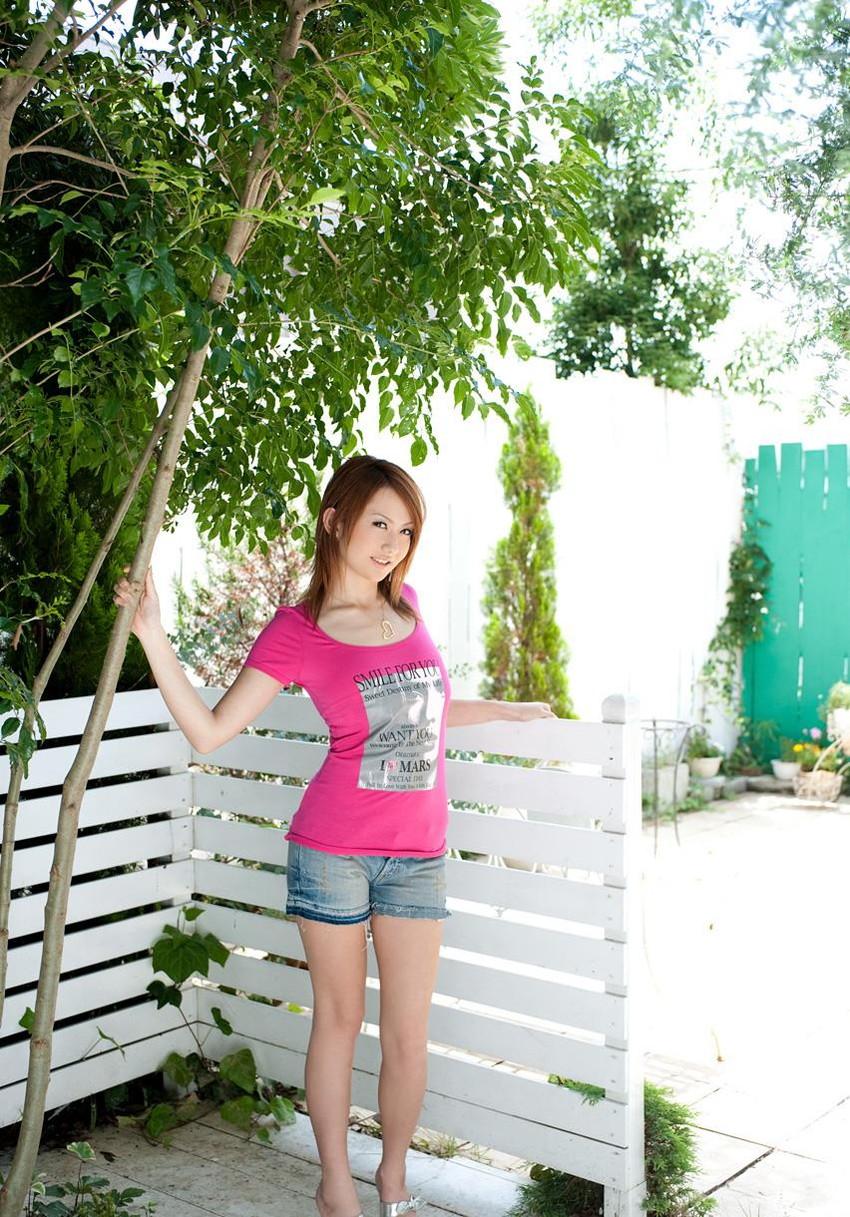 【ヌードエロ画像】スレンダー美巨乳がセクシーな音羽レオンのエロ画像!(50枚) 03