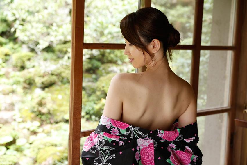 【色白美人エロ画像】葉山瞳のセックス姿が即ハボ必至のエロさwwww(50枚)