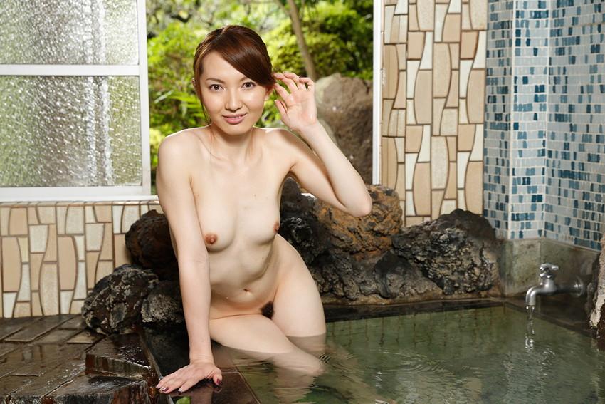 【色白美人エロ画像】葉山瞳のセックス姿が即ハボ必至のエロさwwww(50枚) 32