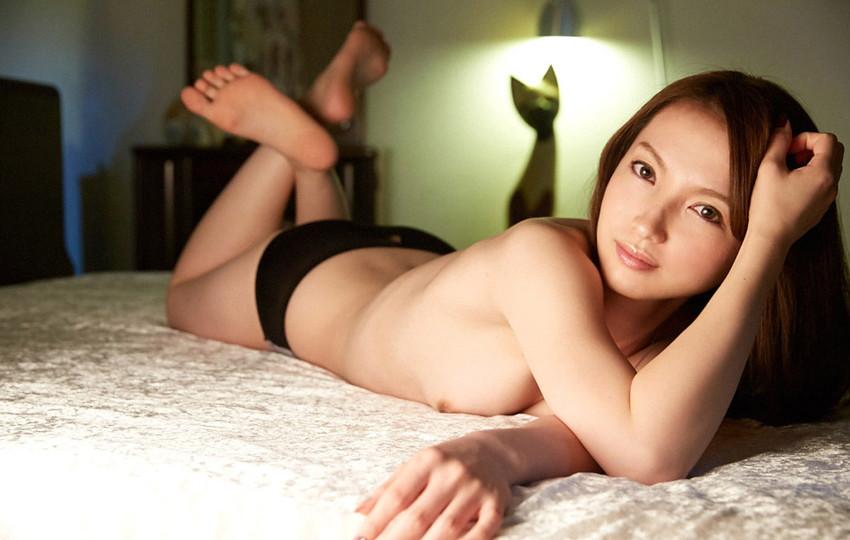 【色白美人エロ画像】葉山瞳のセックス姿が即ハボ必至のエロさwwww(50枚) 50