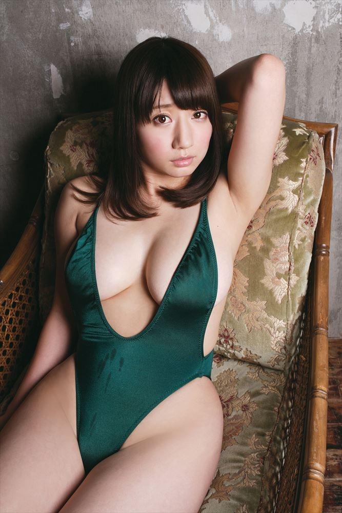 【グラビアエロ画像】ぷる!ぷり!ぷりん!池田愛恵里のマシュマロボディがエロいw(50枚) 33