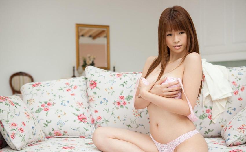 【ヌードエロ画像】エロ可愛いくてオシャレなお姉さま!眞木あずさのセックス画像!(50枚) 06