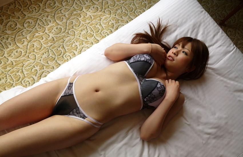 【ヌードエロ画像】エロ可愛いくてオシャレなお姉さま!眞木あずさのセックス画像!(50枚) 24