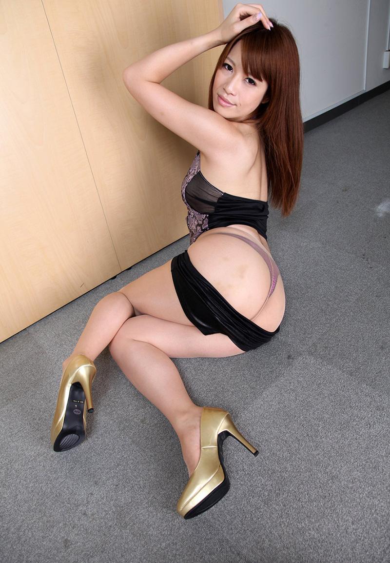 【ヌードエロ画像】エロ可愛いくてオシャレなお姉さま!眞木あずさのセックス画像!(50枚) 35
