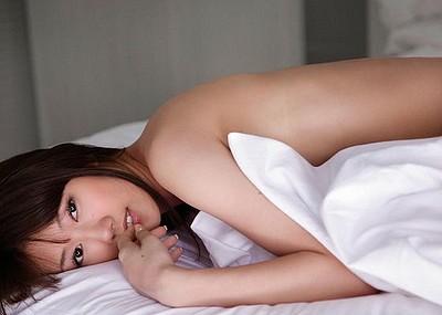 【グラビアエロ画像】華子の水着・セミヌード姿がエロ美しいwwww(50枚)