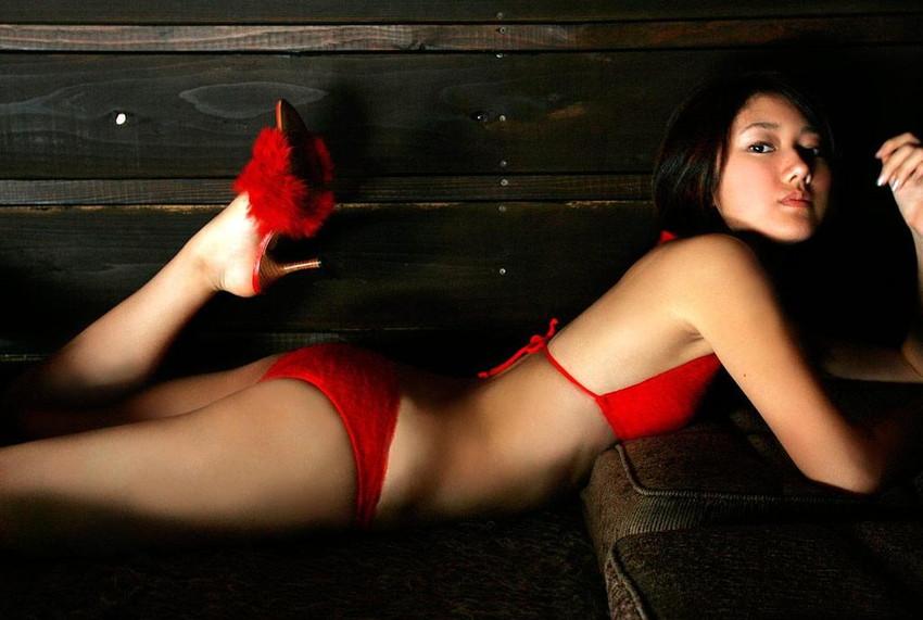 【グラビアエロ画像】華子の水着・セミヌード姿がエロ美しいwwww(50枚) 07