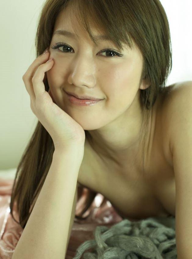 【グラビアエロ画像】華子の水着・セミヌード姿がエロ美しいwwww(50枚) 21