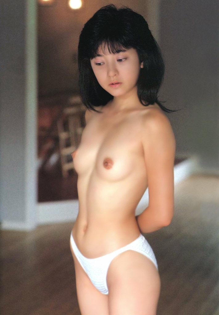 【下着エロ画像】パン一姿やブラ一姿の美女が放つ魅力にノックアウト寸前w(50枚) 40