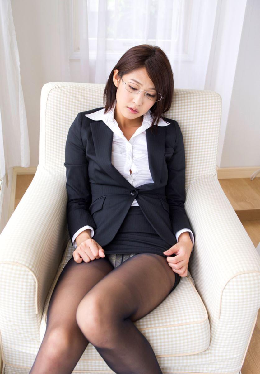 【小柳歩エロ画像】エッチな水着姿や知的な眼鏡スーツ姿がメチャカワw(50枚) 36