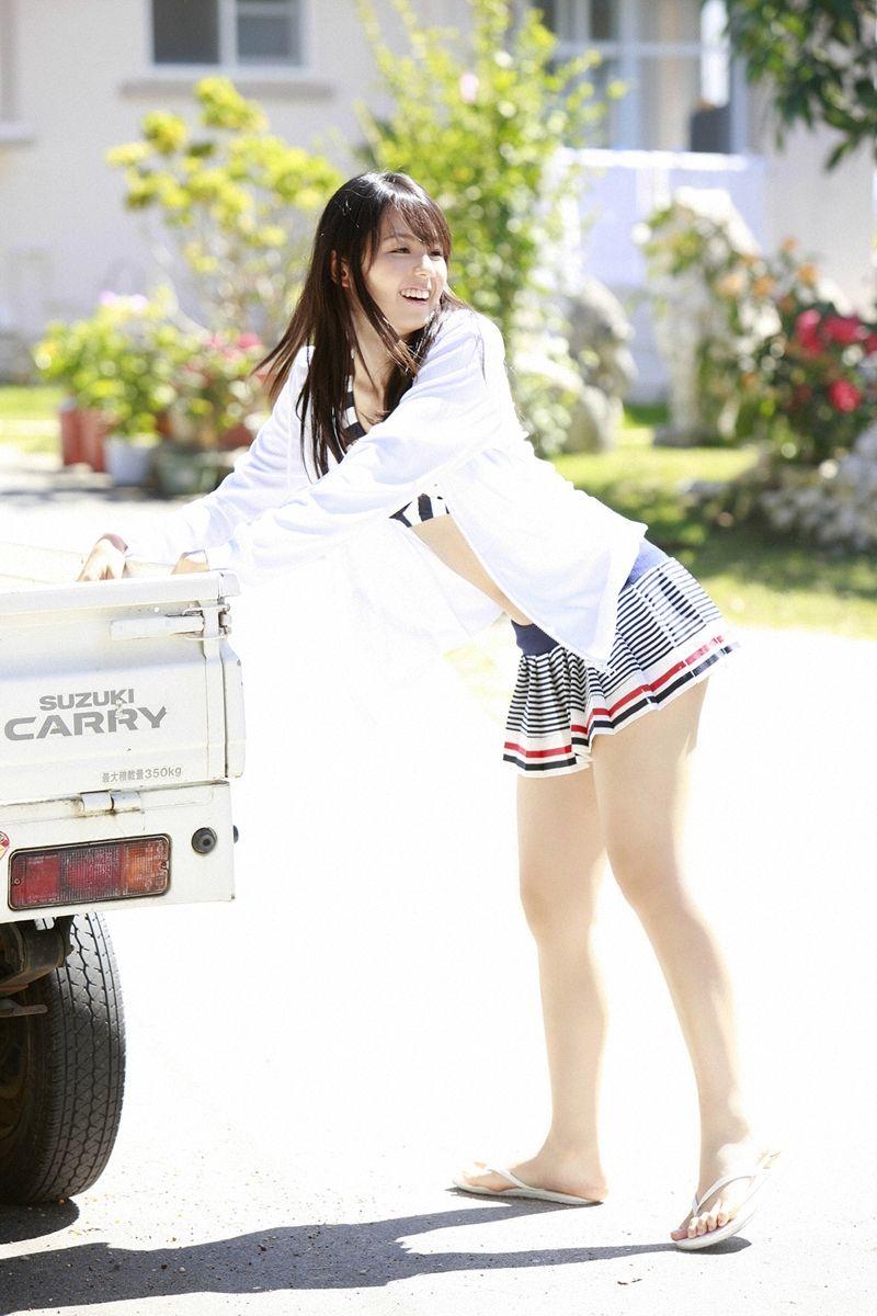 【美脚エロ画像】美女のスベスベしてそうな生足がセクシー!(50枚) 15