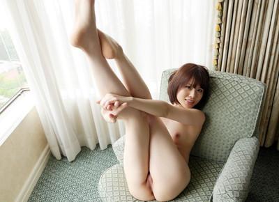 【美脚エロ画像】美女のスベスベしてそうな生足がセクシー!(50枚) 03