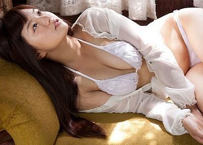 【山中真由美エロ画像】過激セミヌード姿やセクシー水着姿がメチャシコw(50枚)