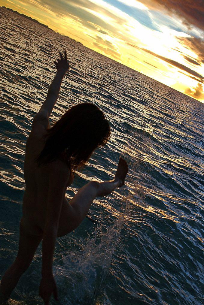 【中島京子エロ画像】妖艶なエロリスト!ほどよく熟したボディに大興奮www(50枚) 09