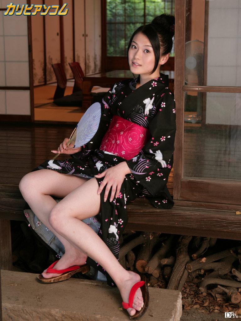 【中島京子エロ画像】妖艶なエロリスト!ほどよく熟したボディに大興奮www(50枚) 15