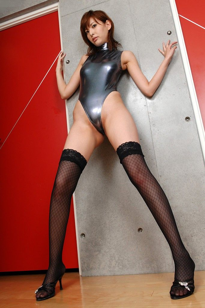 【レオタードエロ画像】身体のラインがくっきり出ているムチムチのスケベなレオタード画像! 05