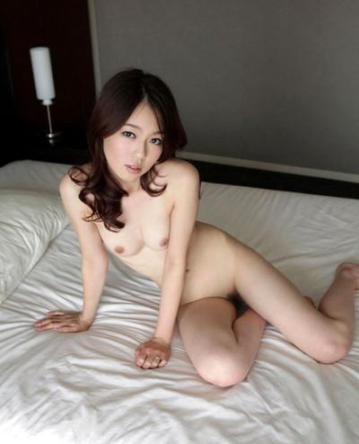 【若妻エロ画像】20代から30代くらいの人妻の色気がムンムン伝わってくるスケベな画像!セックス画像は少なめです 25