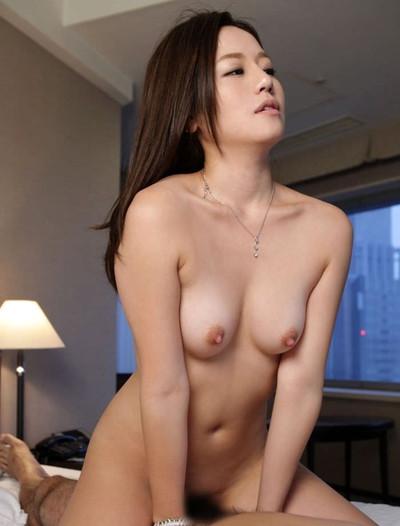 【若妻エロ画像】20代から30代くらいの人妻の色気がムンムン伝わってくるスケベな画像!セックス画像は少なめです 46