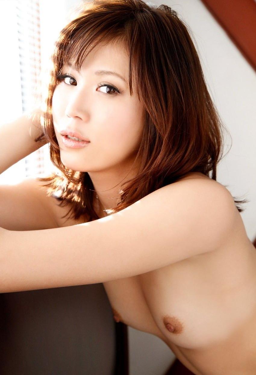 【貧乳エロ画像】ちっぱい好き集まれ!貧乳美乳の美人なお姉さんのスケベなヌード画像中心に集めてみました! 16