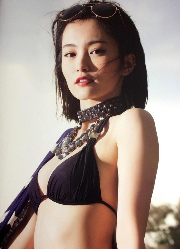 【グラビアエロ画像】NMB48のセクシー担当の山本彩のエログラビア!スケベな水着画像が多めです。 25