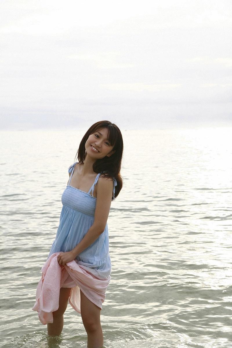 【グラビアエロ画像】大島優子の水着グラビア中心にまとめてみました!ムチムチのおっぱいがそそるw 36