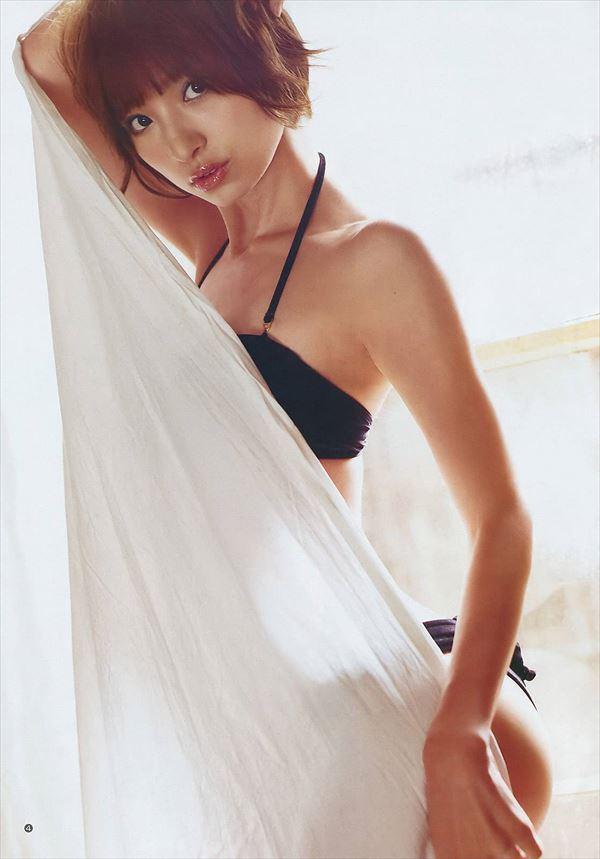 【グラビアエロ画像】篠田麻里子のセクシーグラビア!スレンダーなボディラインにムラムラw 38