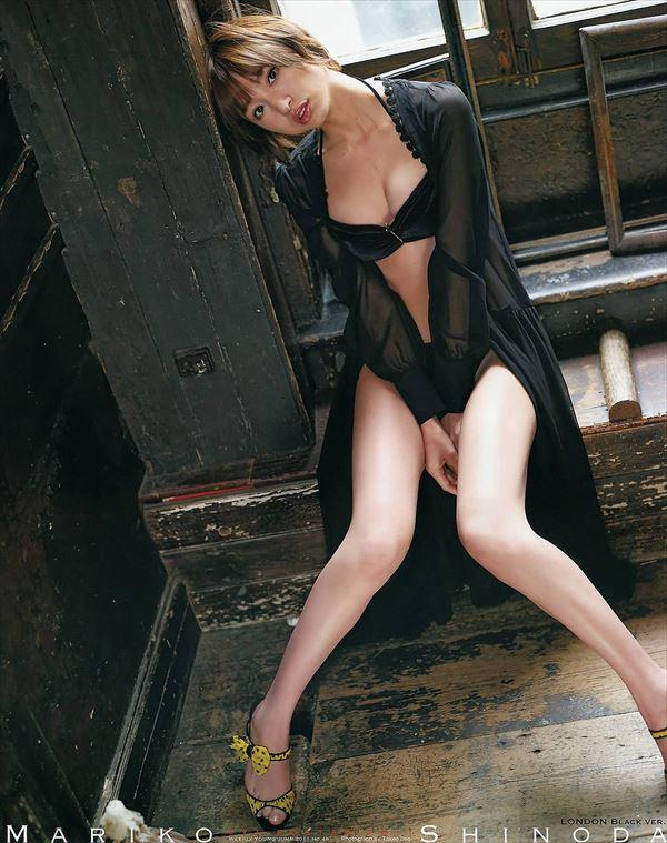 【グラビアエロ画像】篠田麻里子のセクシーグラビア!スレンダーなボディラインにムラムラw 48