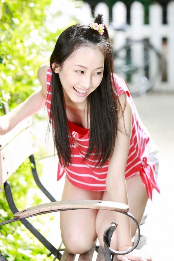 【グラビアエロ画像】SKEの松井玲奈ちゃんの清楚すぎるグラビア!水着や下着など色々あります