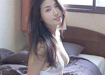 【グラビアエロ画像】愛人顔で有名な橋本マナミの成熟したセクシーグラビア!下乳が柔らかそうです!