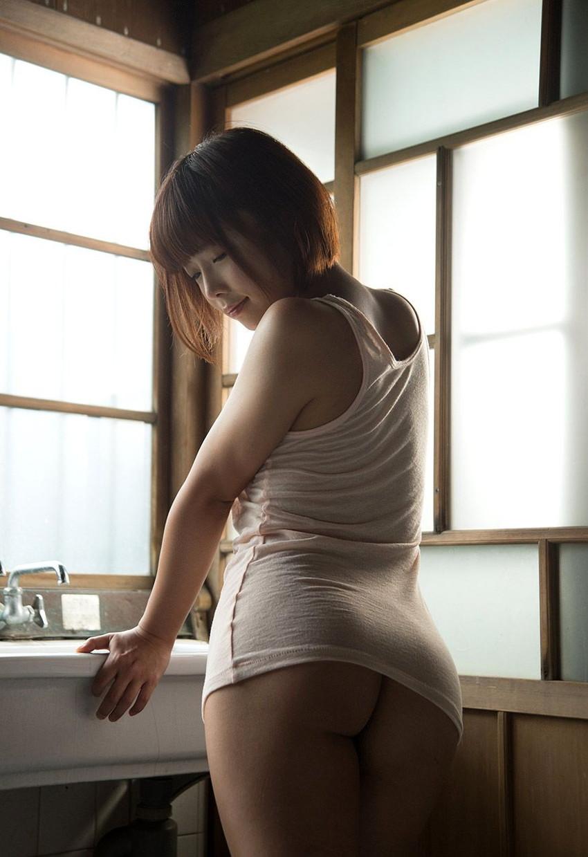 【ヌードエロ画像】紗倉まなの綺麗なおっぱいヌード!男がそそる理想的なスケベな体型・・・ 12